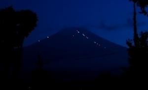 登山の灯り.jpg